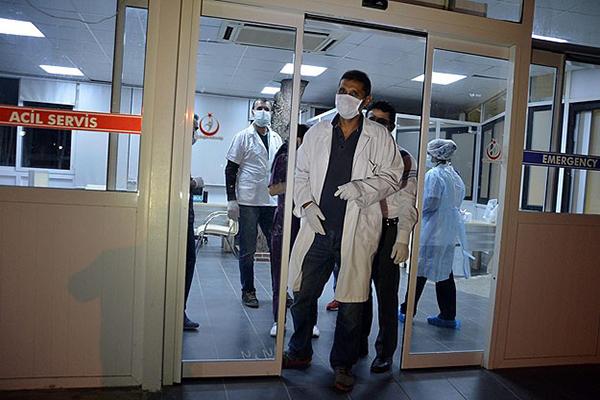 Kaçak Kongolu'da Ebola şüphesi