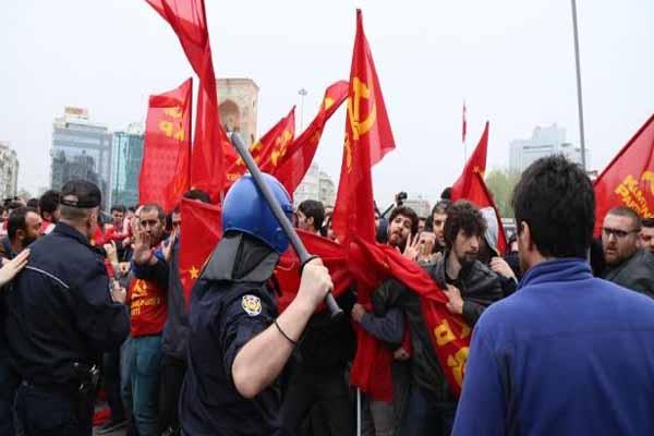 Taksim'e izinsiz giren 3 Komünist Parti üyesi tutuklandı