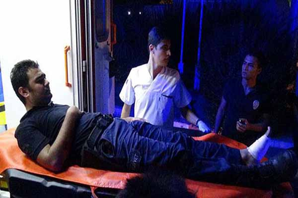 Mersin'de 2'si polis 4 kişi yaralandı