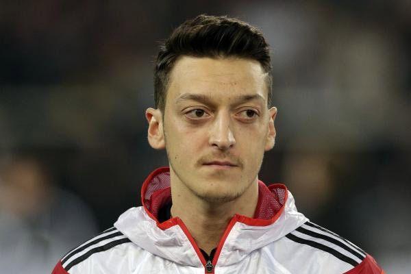 Mesut Özil Arsenal'dan ayrılıp Almanya'ya mı dönecek