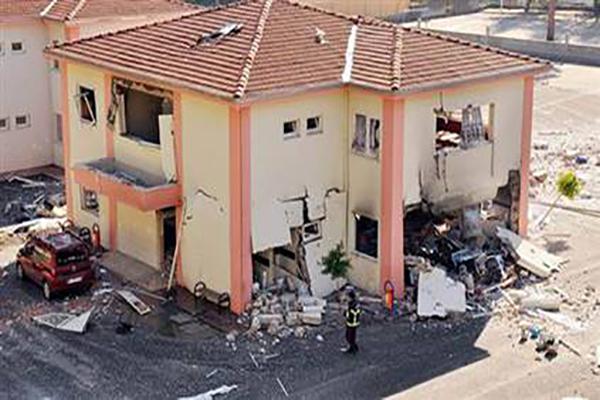 Antalya Manavgat'ta ilkokulda patlama