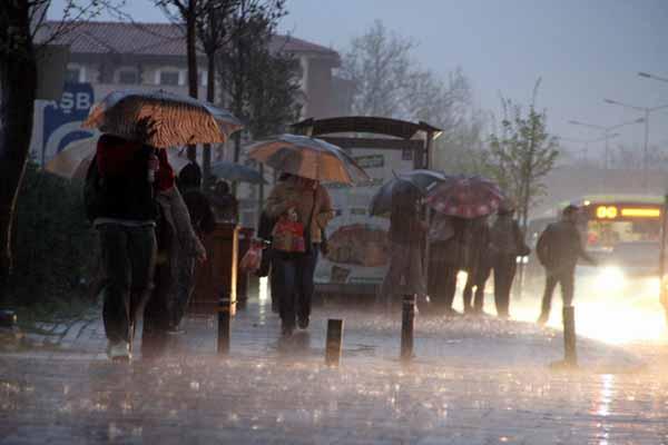 İstanbul için Meteorolojiden sağanak yağış uyarısı