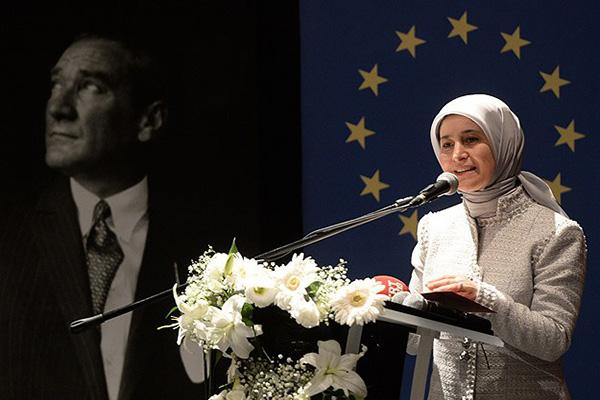 Sare Davutoğlu, 'Saldırılar son derece üzücü'