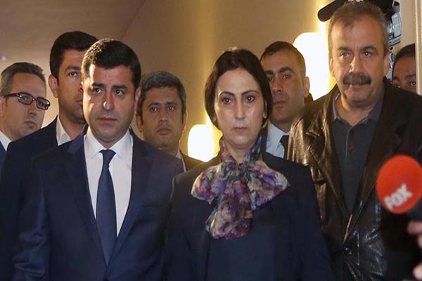 HDP'ye operasyon, Eş Başkanlar Demirtaş ve Yüksekdağ gözaltında