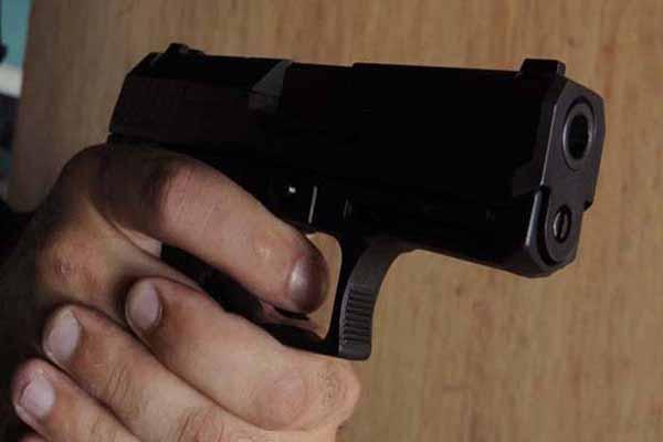 İzmir'deki silahlı kavgada 1 kişi öldü, 2 kişi yaralandı