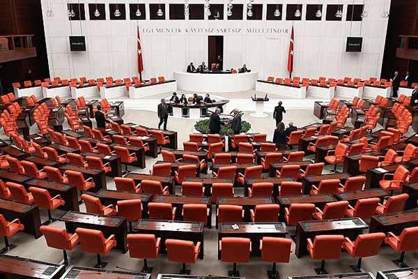 Milletvekilleri ile ilgili kanun TBMM Başkanlığı'na sunuldu