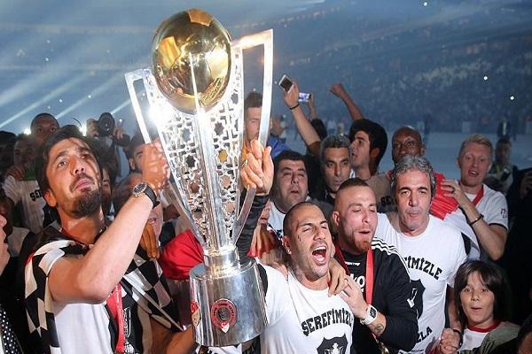 Beşiktaş şampiyonluk başarısını görkemli bir şekilde kutladı