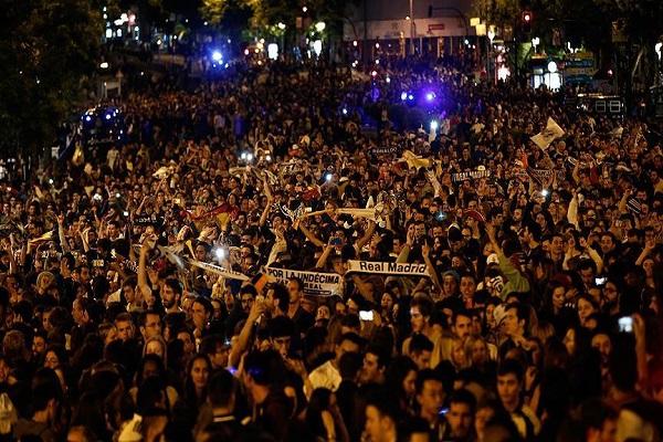Real Madrid şampiyonluğu böyle kutladı