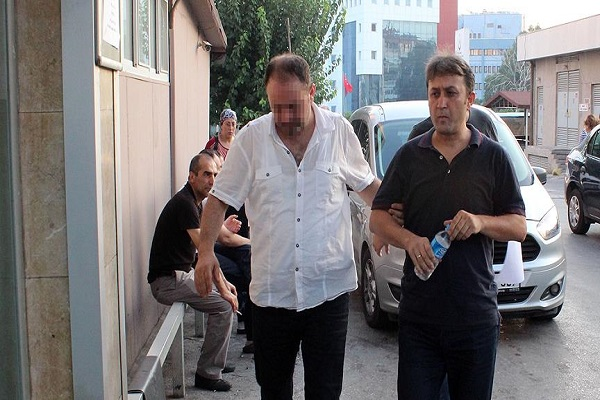 İzmir Katip Çelebi Üniversitesinde görev yapan 30 kişi gözaltına alındı