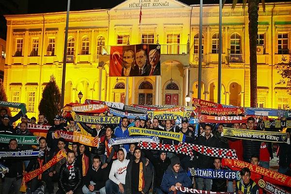 İzmir'deki taraftar grupları teröre karşı birleşti