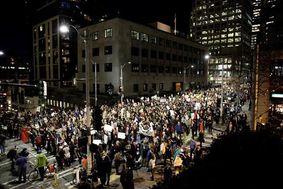 Trump'ın başkan seçilmesi o eyaletlerde protesto edildi
