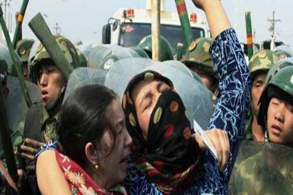 Şincan Uygur Özerk Bölgesi'nde çıkan olaylar yine can aldı