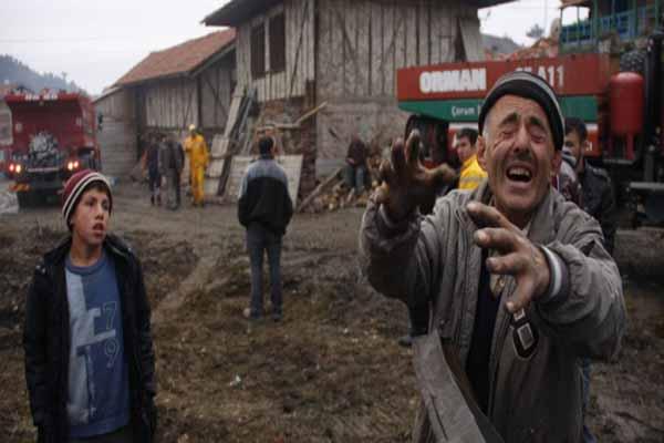 Çorum'da çıkan yangında 29 ev küle döndü