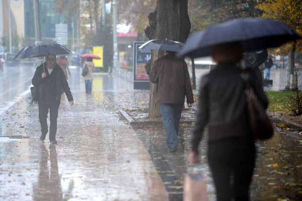 Meteorolojiden şiddetli sağanak yağış uyarısı
