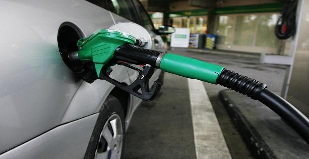 Benzinin litresine 12 kuruş zam geliyor