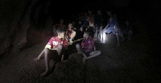 Mağarada mahsur kalan çocuklardan sevindirici haber