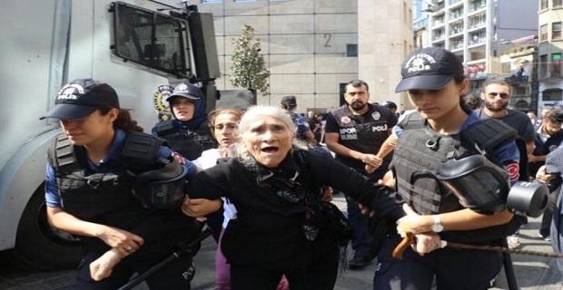 Cumartesi Anneleri'nin 700. eylemine polis müdahalesi