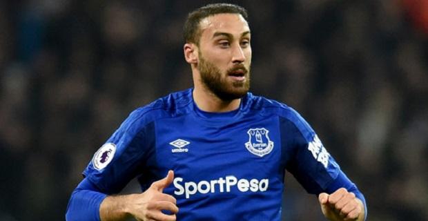 Everton taraftarı Cenk Tosun'dan memnun değil