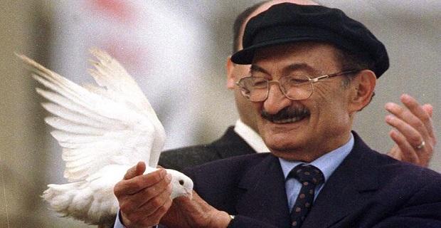 Eski Başbakan Bülent Ecevit vefatının 12. yılında anılıyor