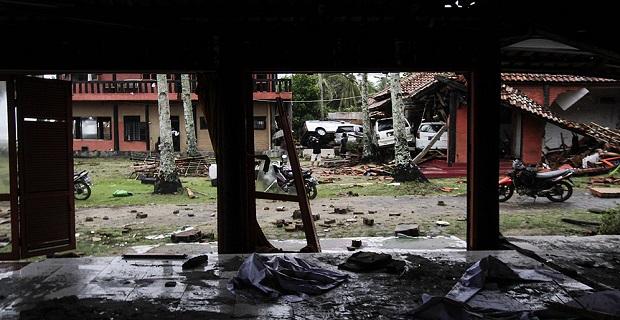 Endonezya'daki felakette ölü sayısı artıyor