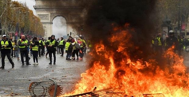 Türkiye'den Fransa'ya seyahat edecek vatandaşlarına önemli uyarı