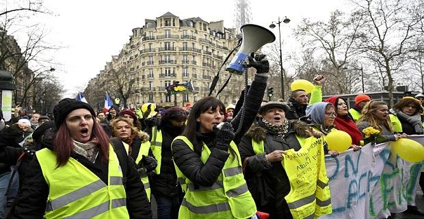 Paris'te 'sarı yelekli kadınlar' protestosu