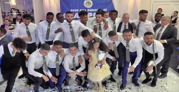 İngiliz Liginde Şampiyon Türk Takımı: Bush Hill Rangers Gururlandırdı
