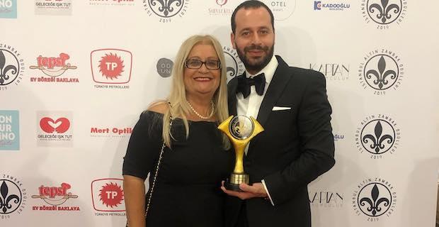 KKTC'nin en iyi işadamı ödülünü Akan Oza aldı