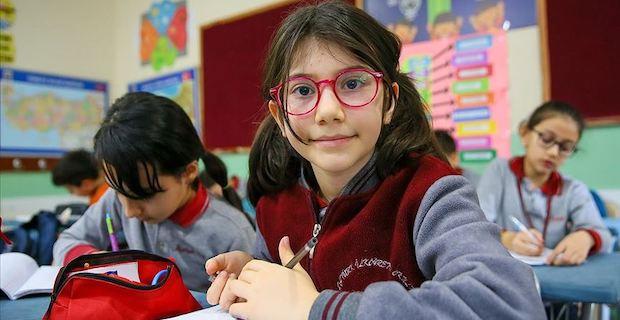 İzmirli ilkokul öğrencisi Elanur Akıncı, matematikte dünya 1.'si oldu