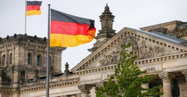 Almanya yurt dışı seyahat yasağını 14 Haziran'a kadar uzattı