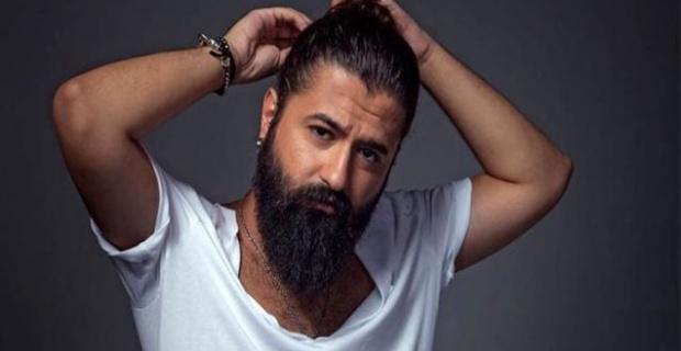 Şarkıcı Koray Avcı, 12 yıl sonra sakalını kesti