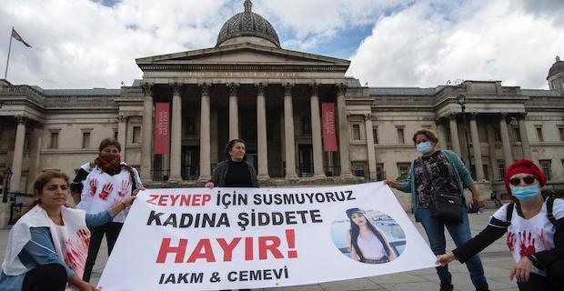 İngiltere Alevi Kültür Merkezi ve Cemevi Kadın Kolundan anlamlı protesto:YAŞAMAK İSTİYORUZ