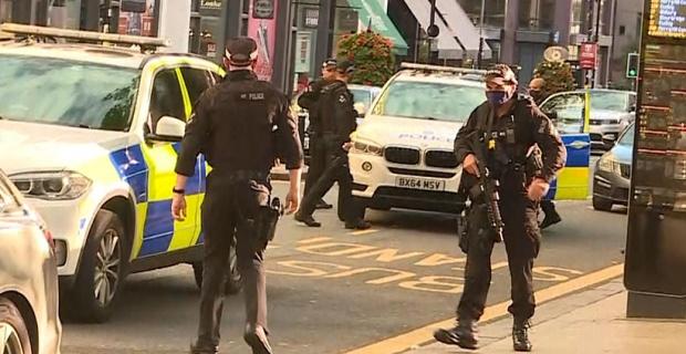Son dakika, Bıçaklı saldırılarda 1 kişi öldü, 7 kişi yaralandı, West Midlands Polisi açıkladı