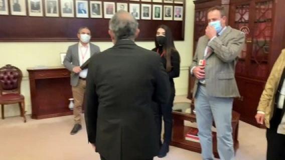 Azerbaycan Türklerinden Türkiye'nin Londra Büyükelçisi Ümit Yalçın'a teşekkür ziyareti