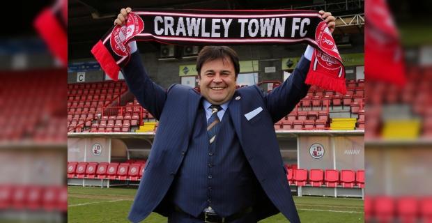 Kayseri Erciyesspor'un eski başkanı Ziya Eren'in takımı Crawley Town, Leeds United'ı eleyerek üst tura çıktı