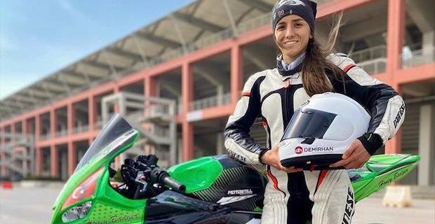 Avrupa'da yarışacak ilk kadın Türk motosikletçi İlayda Yağmur Yılmaz, pistin en hızlısı olmak istiyor