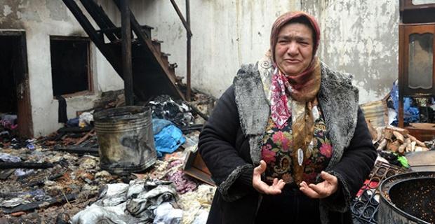 Marmaris'te evi yanan köylü; Beş gündür yardım bekleyip dua ettim ancak itfaiye bile gelmedi! Yetkililer istifa etsin