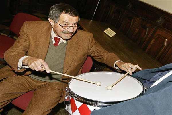 Ünlü yazar Günter Grass hayatını kaybetti