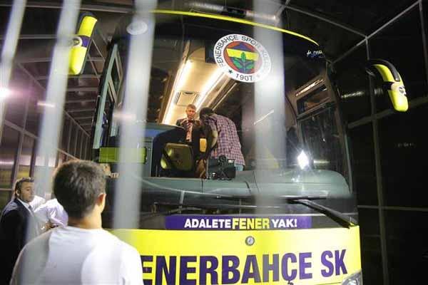 Fenerbahçe otobüsünde bomba araması şoku