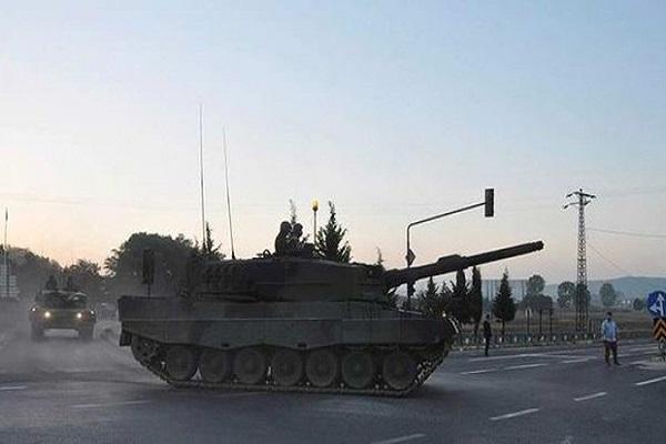 Maltepe'deki zırhlı araçlar Gaziantep'e doğru yola çıktı