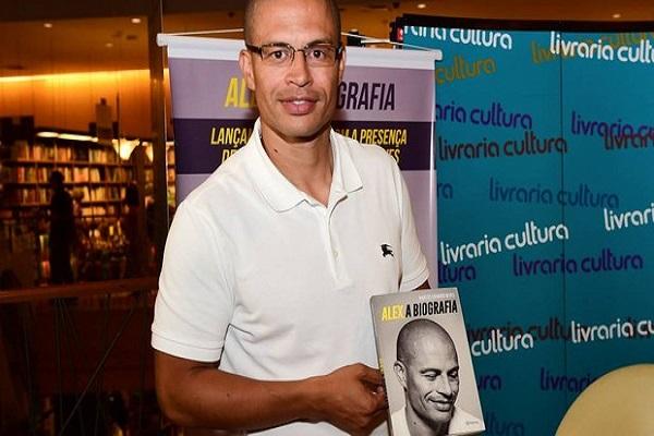 Alex de Souza'nın kitabı çıkıyor