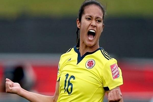 Antalya'nın dişi Ronaldinho'su performansıyla alkış aldı