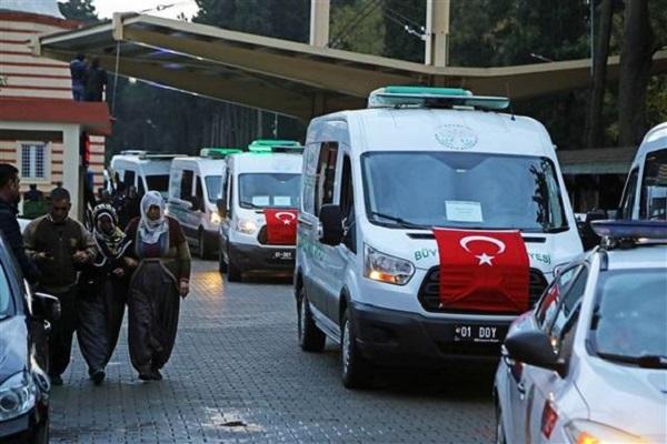 Adana'daki faciada hayatını kaybedenlerin cenazeleri konvoy halinde yola çıktı