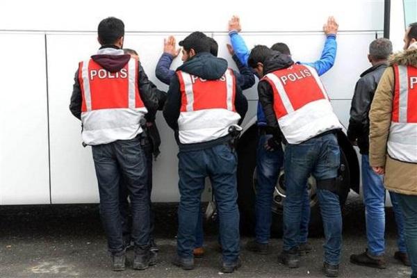 İstanbul'da büyük operasyon başladı giriş çıkışlar kapatıldı