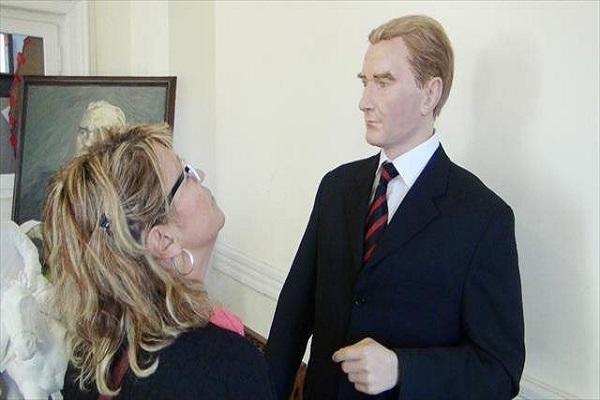 Emekli resim öğretmeninin 1 yılda hazırladığı heykel ilgi odağı oldu
