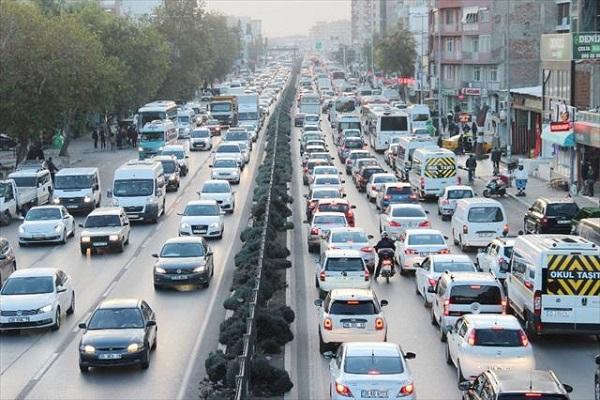 İzmir'in trafiği vatandaşı çileden çıkardı
