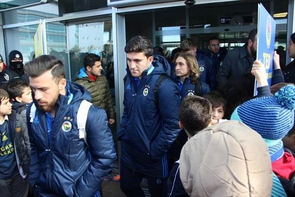 Fenerbahçe kafilesi Diyarbakır'da böyle karşılandı
