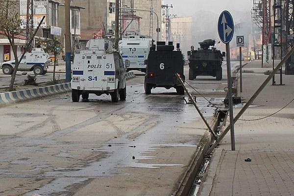 Silvan'da sabah ilan edilen sokağa çıkma yasağı kaldırıldı