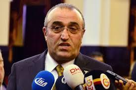İtiraf etti Galatasaraylı futbolcular paralarını alamıyor mu