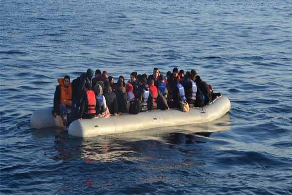Akdeniz'de gemi battı, 700 göçmen öldü